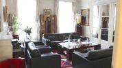 RUE DE LONGCHAMP appartement familial et réception de 223 m²