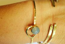 Bracelets and Bangles / Shop all the latest bracelets and bangles from The Jewellery List