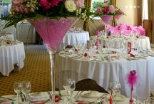 Martini Vases / Ideas for wedding table centrepieces in martini vases