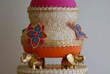 wedding cakes / by Monica Gurnani