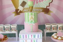 Vintage Ice Cream Party / A 50's vintage inspired Ice Cream parlor ans Soda Shoppe in mint and pink