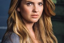 shelley hennig (malia)