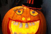 Pumpkins, gourds, and fall inspirations. / Halloween pumpkin carving, decorating ideas, fall arrangements, and inspirations.