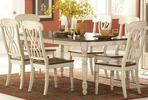 New Dining Table / by Amanda Pryor