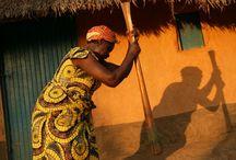 Cassava / Cassava är kusin m spenat , tillagas m palmolja , persilja mm bönor ..  Foffo är traditionell Kongo rätt , istället för ris ,potatis mm , av kokande vtn osaltat ,mannagryn , sen sikta in potatismjöl tills det blir tjock som gummi ....är m handen , gör runda bollar , doppa i kassava ....gotttt