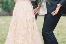 Hochzeits-Kleider