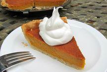 pie recipes / pie recipes, pie ideas, how to bake a pie, pie crust, how to make pie crust, fruit pie recipes, pumpkin pie recipes, apple pie, mini pies, mason jar pies, is cheesecake pie, rhubarb pie, cherry pie, mud pie, chocolate pie