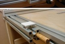 sliding saw table
