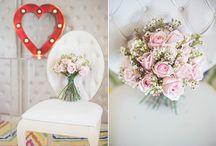 Tips for Valentine's day by Wedding Tales Blog / Φωτογραφίες: Fiorello Photography Γλυκά: Pavlov's Lab Εσώρουχα: Triumph Μαξιλάρια, πετσέτες, παντοφλάκια: WedShop.gr Χώρος: St. George Lycabettus Καρδιά με λάμπες: The Letter Co.