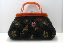 HANDBAGS & PURSES Antique or Vintage only / Any vintage or antique handbags or purses