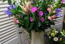 Flowers Glasgow - Showers of Flowers / This is all about our flowers & what we offer in our shop!
