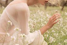 Цветы сады и травы...