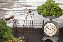 Kitchen Decor / by Leslie Gard