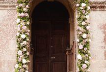 Garland inspiration / Most inspiring garlands for doorways, arches, alters, stairways