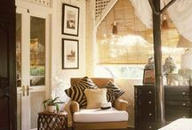Guest room colonial style