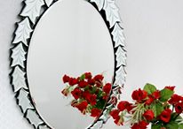Premium quality mirror / It looks gorgeous for the silver colored frame surrounding it. The frame has intricate carvings on it which make it look brilliant.