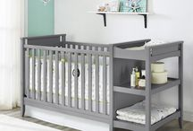 Diaper changing / where to change diapers, solutions with mats, pads, tables, diaper stations