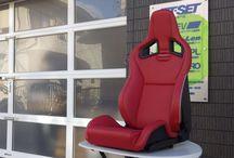 RECARO(レカロ)sportstar / RECARO車が先進的デザインのカーメーカーに 用意したモダンデザイン純正採用シート。 その市販仕様のモデルであるが、右用左用の 固体指定がそのままある稀少なモデルです。