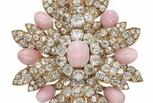 Amazing Jewelry Designs / Beautiful jewelry from some of the world's most famous and talented designers and design houses.