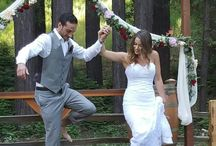 The first stomp /  Break the traditional first dance with a first stomp! Memorable wedding idea for a winery wedding