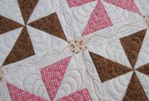 Quilting / Learning how to machine quilt. Pins are for inspiration and instructions.
