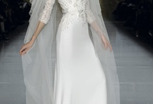 Fitted / Sheath / Fitted wedding gowns or featuring a sheath/overlay.