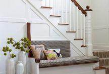 escalera con pasa manos de madera