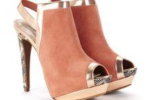Shoes / by Samanta Pean