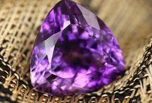 Dernières news sur les bijoux et pierres précieuses / Devenez un experts en pierres précieuses et fines grâce à nos Blogueurs !