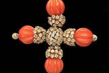 Margherita LesFakesdAntan / Super-selected rare vintage bijoux.