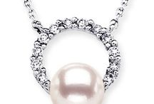 Floating-Halo-Akoya-Cultured-Pearl-Pendant