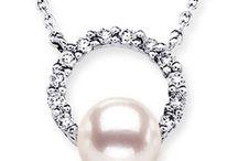 Floating-Halo-Akoya-Cultured-Pearl-Pendant