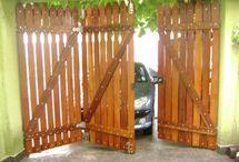 Portões em madeira