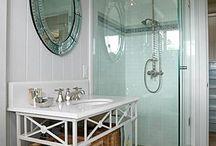 Decor: Bathrooms / by Sarah Elizabeth