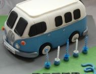 VW camper cake ideas / Designs and tutorials for VW campervan cake