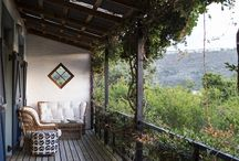 Birdhouse / This cottage amongst the trees in Plettenberg Bay, South Africa is an artist's escape and a dreamer's paradise