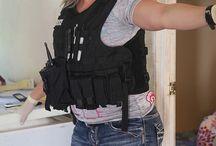 KANSAS CITY - MISSOURI - FEMALE POLICE OFFICER