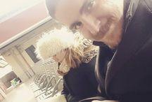 Instagram Noi qui si aspetta il treno verso casa, mentre Ary è concentrata a mille su Jung! :D  Buon inizio di settimana a tutti!