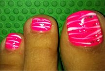 Pedicure paint ideas / by Mindy Wagner