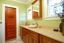Bathroom Design 4 / Our traditional style full size bathroom with bold colors.
