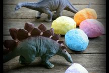 Dinosaurs / Activities to fit a dinosaur theme for the kids