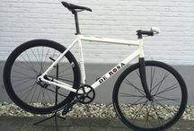 De Rosa singlespeed / Custom build: turning my own old De Rosa road bicycle into a single speed.