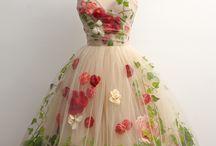 pretty dress / 素敵なドレス / ウェディングに憧れの素敵なドレス!世界のピンやSNSで見つけた素敵なドレスを、ぽちぽちとピンしています