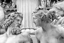Статуи или живые люди?