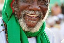 """Sudán. Entre los tesoros del Desierto del Nubia / Pueblos nómadas en plenos desierto del Sáhara y el Nubia, pirámides, el Nilo. Sudán del Norte, el """"Egipto desconocido""""."""