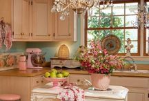Shabby kitchen  / by Deni Fender