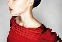 Hairstyle / Proposte colori, tagli e pieghe dalle migliori collezioni moda per gli addetti ai lavori e non solo