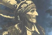 Asal - Usul Tembakau dan Sejarahnya / Mengenai asal-usul tembakau, masyarakat Indian Huron (Warga Asli Penduduk Benua Amerika) menerangkannya dengan sebuah mitos berupa cerita