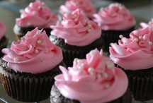 Dessert Love / by Holly Dottarar {Holly Bakes}