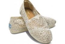 Shoes Shoes Shoes / by Sofi Kragness